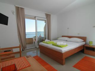 Apartments Ulix Brela - Studio - Brela vacation rentals
