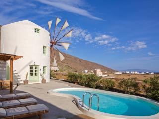 Windmill Villas-Green - Imerovigli vacation rentals