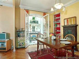 70/montmartre-chic-one-bedroom - Paris vacation rentals