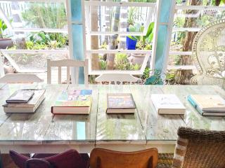 The Artists Nook - Port Douglas vacation rentals