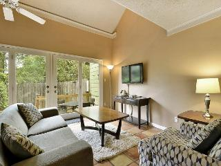 2BR/2BA Perfectly Located Zilker Park TownHouse, Sleeps 6 - Austin vacation rentals