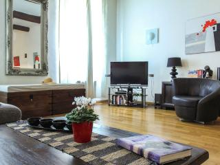 Charming Vieux Nice holiday apartment in historic - Nice vacation rentals