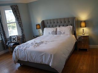 Sunny and Spacious Mission Flat with Parking - San Francisco vacation rentals