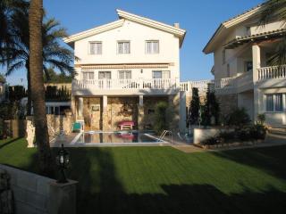 Einfamilienhaus - Anlage  Sanolianso - L'Ampolla vacation rentals