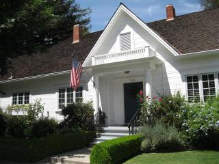 Hutchins House in Historical Downtown Lodi - Walnut Grove vacation rentals
