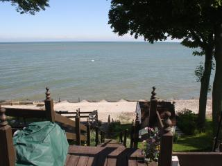 Perfect Couples Getaway--1 Bedroom Lakefront  Loft - Geneva on the Lake vacation rentals