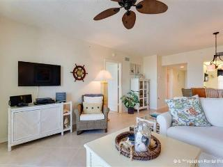 Hibiscus Pointe 433, Canal View, Elevator, Heated Pool - Fort Myers Beach vacation rentals