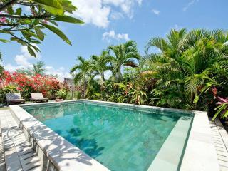 The Shinning room studio 27 - Denpasar vacation rentals