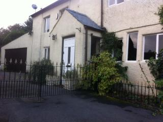 'Woodbottom Cottage' - charming, cosy comfort - Todmorden vacation rentals