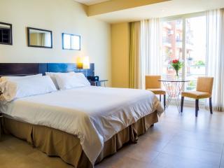 Luxury Palermo Hollywood Condo Hotel: Sleeps 2 - 4 - Killington vacation rentals