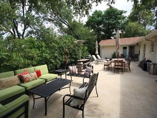 3BR/2BA Magnificent House & Outdoor Entertaining, South Austin, Sleeps 6 - Texas Hill Country vacation rentals