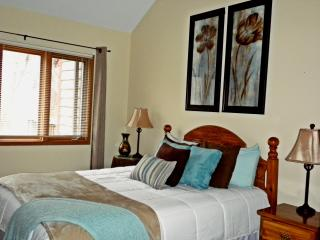 Inviting, Serene Golf Villa in Galena Territory - Galena vacation rentals