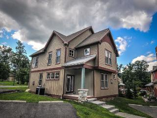 Marvelous 4 Bedroom home close to all lake activities! - Oakland vacation rentals