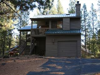 Ashwood 5 Nicely decorated, warm colors, Near SHARC/Village - Sunriver vacation rentals