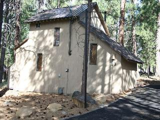 Cluster Cabin 13 That rustic cabin feel and at a great price! Pet Friendly! - Sunriver vacation rentals