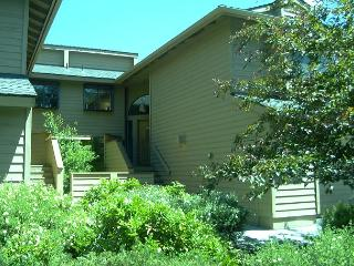 Fairway Village 33 is located on the Woodlands Golf Course! - Sunriver vacation rentals