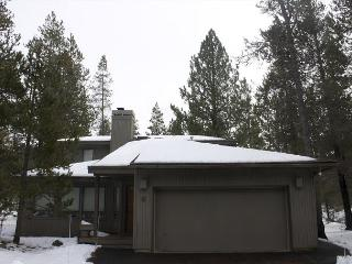 Sparks 9 Two living spaces & fireplaces with this centrally located home. - Sunriver vacation rentals