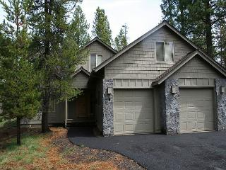 Topflite 5 luxury and roomy. Your family will love this home. - Central Oregon vacation rentals