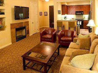 One bedroom, one bath luxury resort condo with a private balcony! - La Quinta vacation rentals
