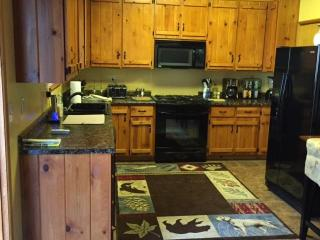 Hummingbird Lake View - Near Lovely Lake Arrowhead - Crestline vacation rentals