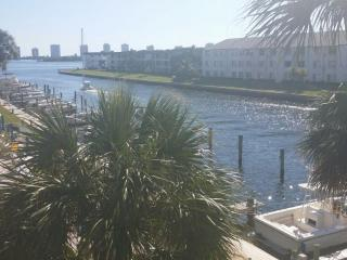 intercostal with lots of flips for rent amazing vi - Jupiter vacation rentals