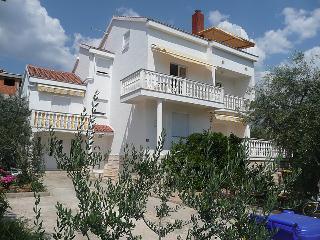 Villa Estera with pool, studio to rent in Croatia - Biograd na Moru vacation rentals