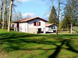 Domaine du Lac d'Harrieta - Saint Jean Pied de Port vacation rentals