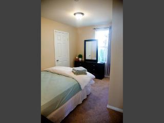Amazing 3 Bedroom Santa Monica - steps from the beach! LA005 - Santa Monica vacation rentals