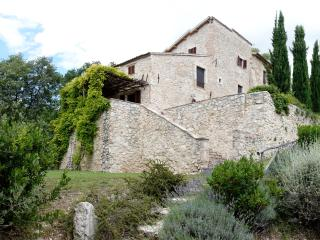 Villa in Umbria with Large Pool and Great Location - Casa Trevi - Cannara vacation rentals