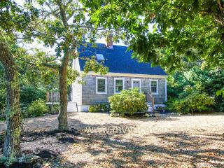 PIKUT - Luxury Details, Designer Interior, Centrally Located to Towns and Beaches, A/C in 3 Bedrooms - Martha's Vineyard vacation rentals