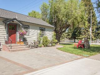 Across from the Drake Park a perfect little Studio - Sleeps Two!! - Bend vacation rentals