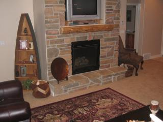 1 Bedroom Luxury, Romantic Ski condo w Private hot tub - Huntsville vacation rentals