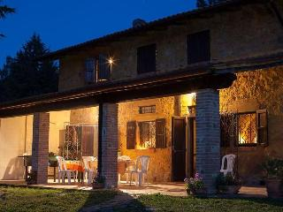 Beautiful cottage with pool and a relaxing garden - Cecina vacation rentals