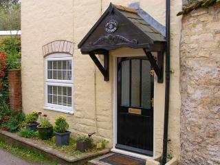 ORCADIA COTTAGE, woodburner, WiFi, character cottage in Sturminster Newton, Ref. 916146 - Verwood vacation rentals