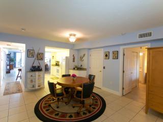 April/May $pecials - Towers Grande#204 -Ocean View - Daytona Beach vacation rentals