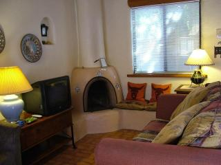 Cottonwood Cozy - Taos Area vacation rentals