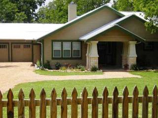 Rear Cottage at the Agape property - Fredericksburg vacation rentals