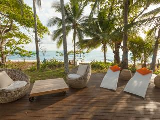 ''Drift'' Beach House Getaway - Cairns vacation rentals