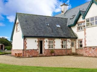 CLUAIN FADA, ground floor, romantic break, near Ballymoney, Ref 915826 - Arklow vacation rentals