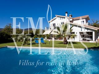 Villa Diadema 8+2 - Savona vacation rentals