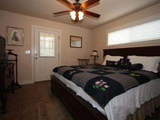 Annette's Cottage at Waldrip - Cottage B - Fredericksburg vacation rentals