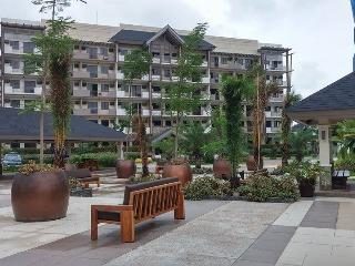 CONDO AT ARISTA PLACE - Paranaque vacation rentals