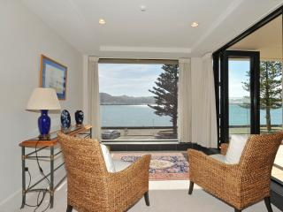 Silver Cloud Luxury Apartment - Wellington vacation rentals
