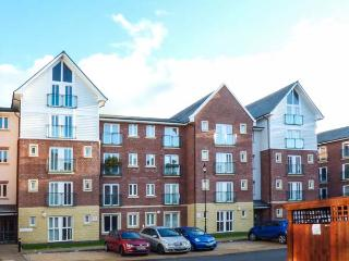 AT THE RACES, second floor apartment, city centre location in Chester Ref 917183 - Holt vacation rentals