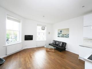 110: Notting Hill Gate/ Portobello flat - London vacation rentals