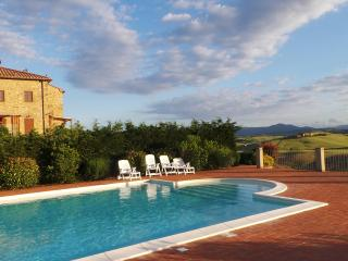 Beautiful apartment, Tuscan countryside.  Sleeps 8 - Pisa vacation rentals