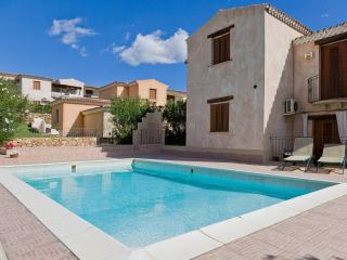 House with swimming pool and sea view - San Teodoro vacation rentals