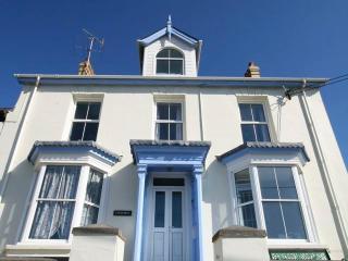 Cartrefle, Tresaith. A house on a beach in Wales. - Tresaith vacation rentals
