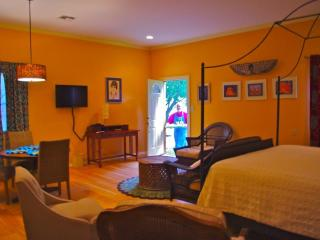 B.E.'s Bed and Breakfast Eclectica - Fredericksburg vacation rentals