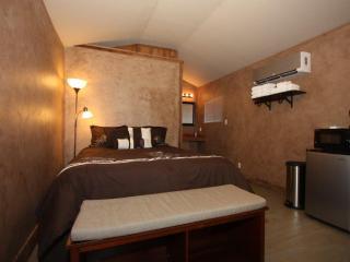 Luckenbach Lodge Cabin 6 - Luckenbach vacation rentals